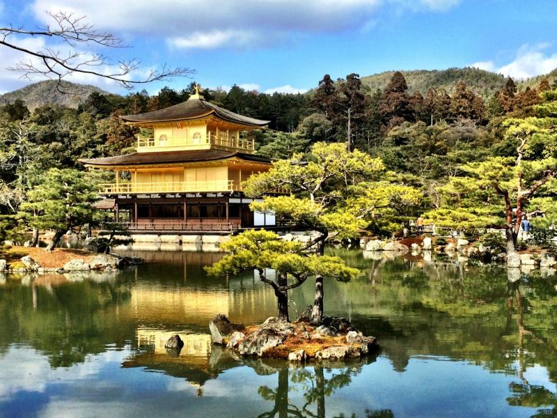 golden-pavilion-in-kyoto