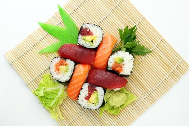 sushi-373588_960_720