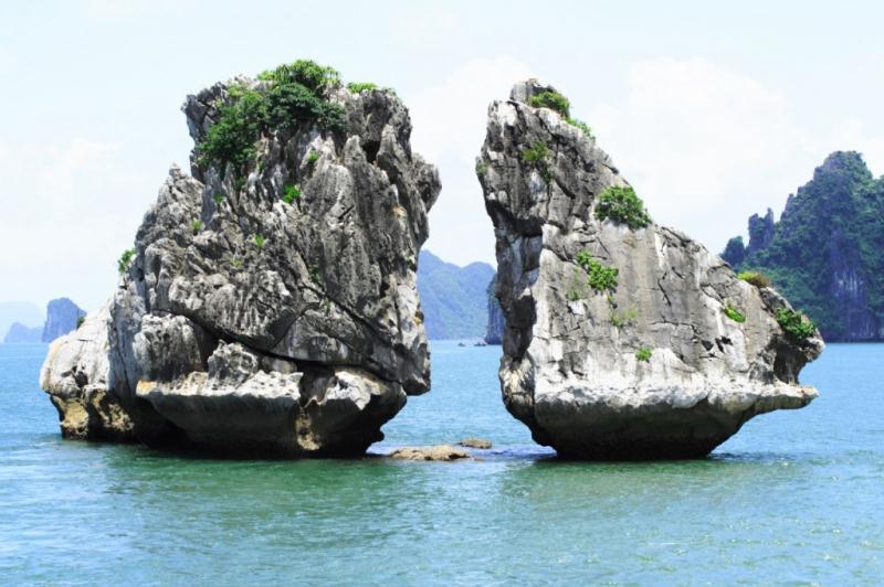 Du lịch biển: Hà Nội – Vịnh Hạ Long – Đảo Tuần Châu (Nghỉ 01 đêm Hạ Long + 01 đêm tại Tuần Châu)