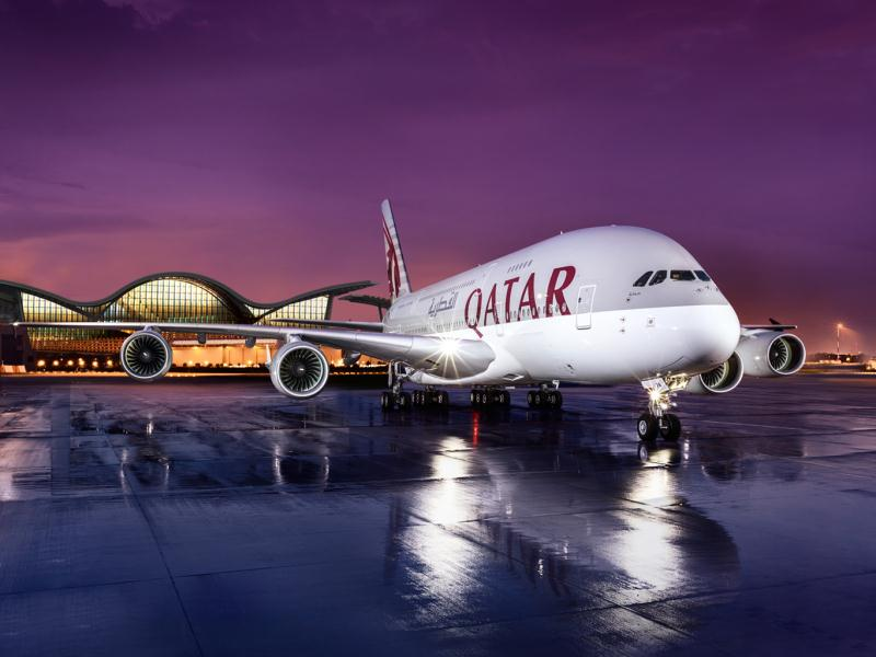 ve-may-bay-qatar-airways-gia-re-01
