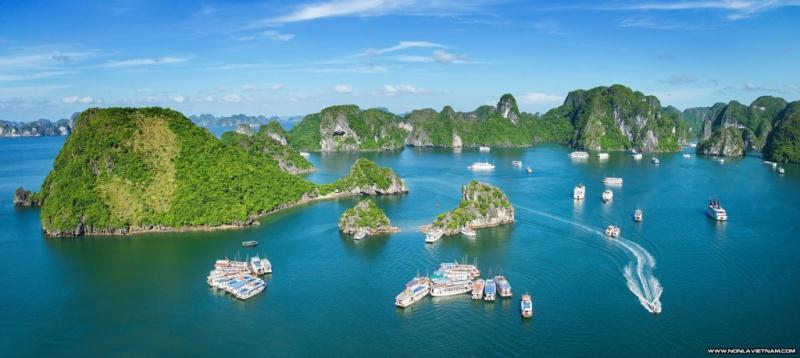 Du lịch Hạ Long: Du ngoạn cuối tuần tại Vịnh Ha Long trên tàu cao cấp
