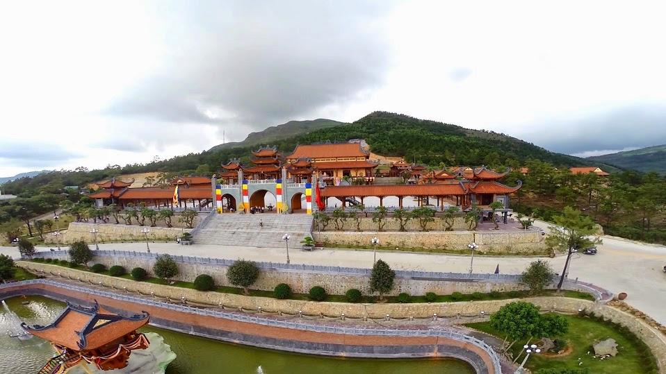 Du lịch Quảng Ninh: Đền cửa Ông - Chùa Cái Bầu - Hạ Long - Yên Tử - Chùa Ba Vàng