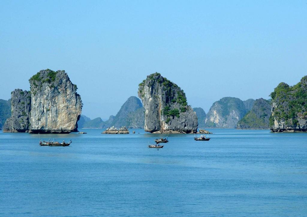Du lịch Miền Bắc khám phá Vịnh Hạ Long - Ninh Bình