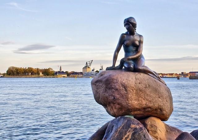 Du lịch Băng Đảo - Bắc Âu 2018: Băng Đảo - Đan Mạch - Na Uy - Phần Lan - Thụy Điển 16N13Đ. KH 15/04/2018, 17/9, 5/12