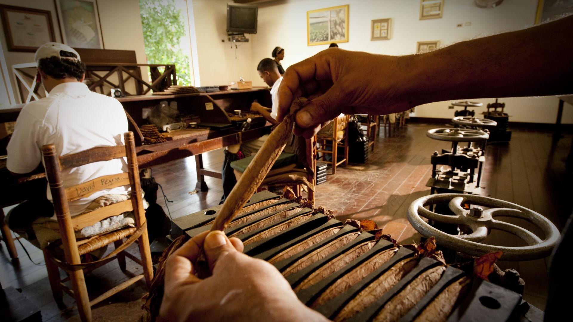 Xưởng sản xuất xì gà
