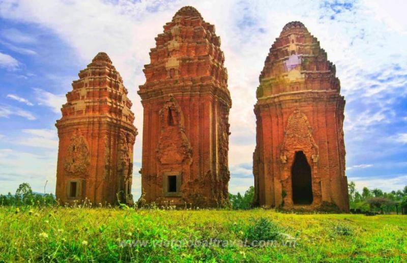 Du Lịch Quy Nhơn 2018: Tây Sơn - Tháp Đôi - KDL Ghềnh Ráng Trượt Cát - Ngắm Lặn San Hô