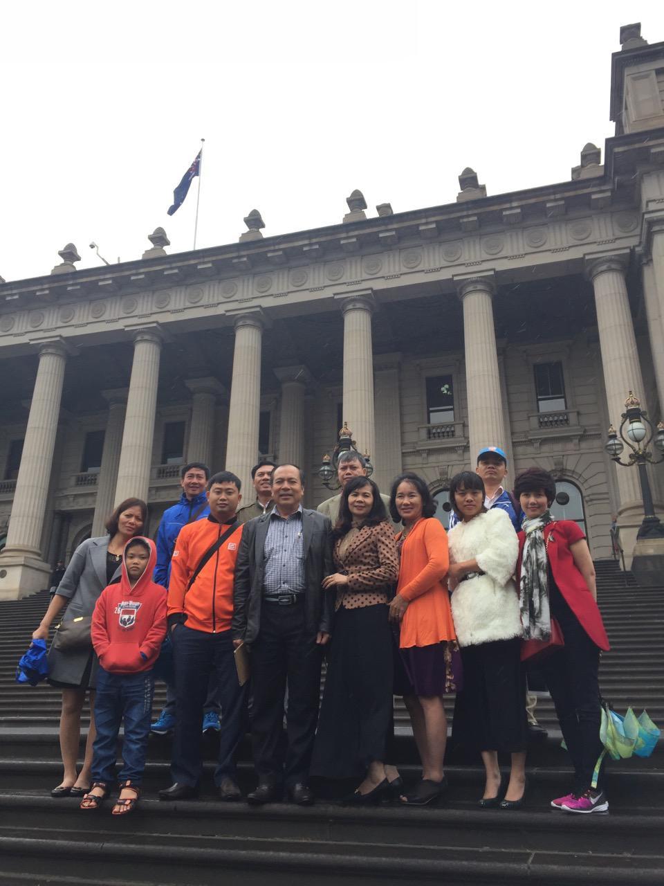 Khách Vietglobal travel thăm quan tại Úc