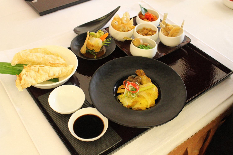 set-indonesian-breakfast-tray-1