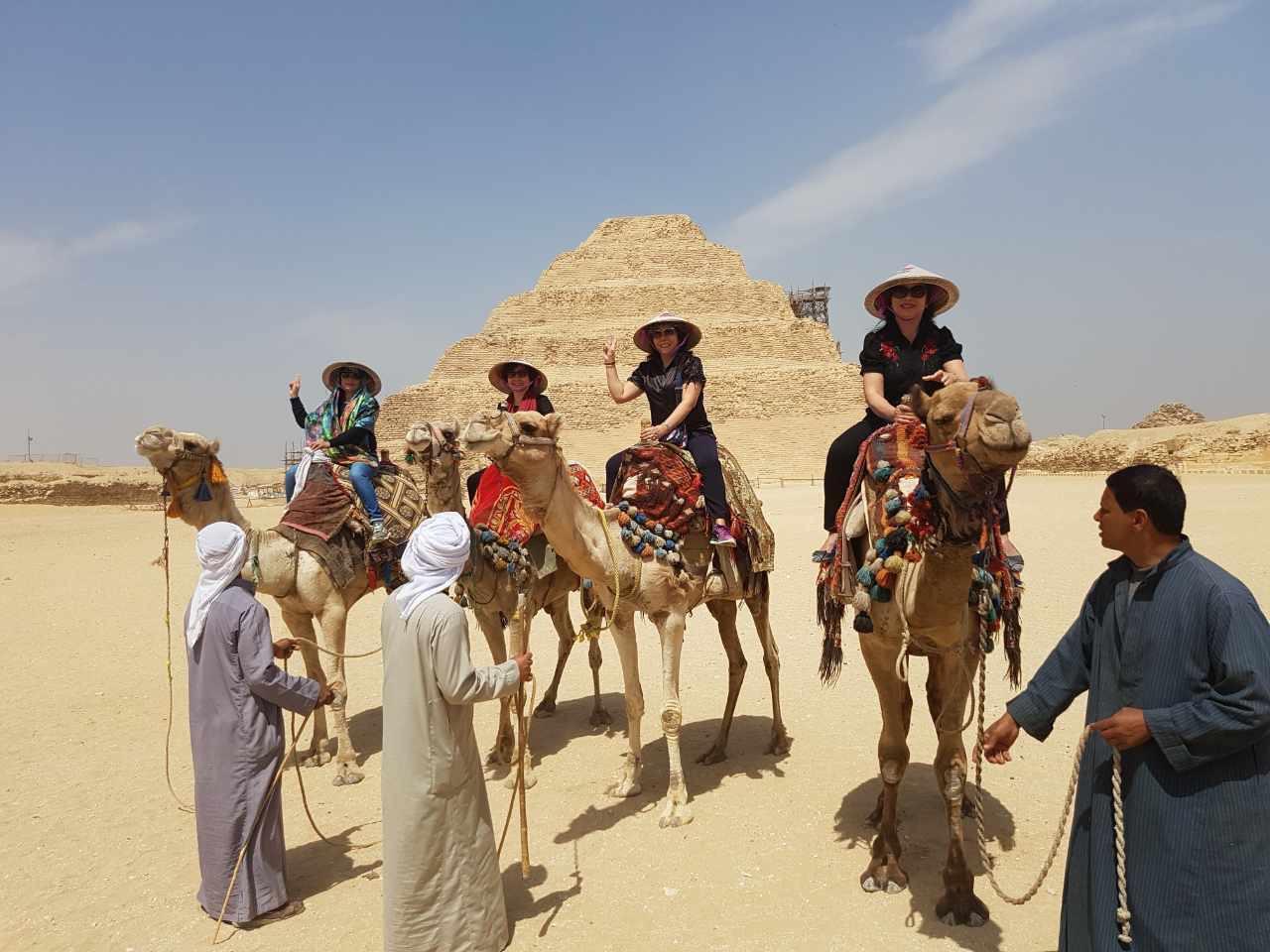 cưỡi lạc đà tại Ai Cập