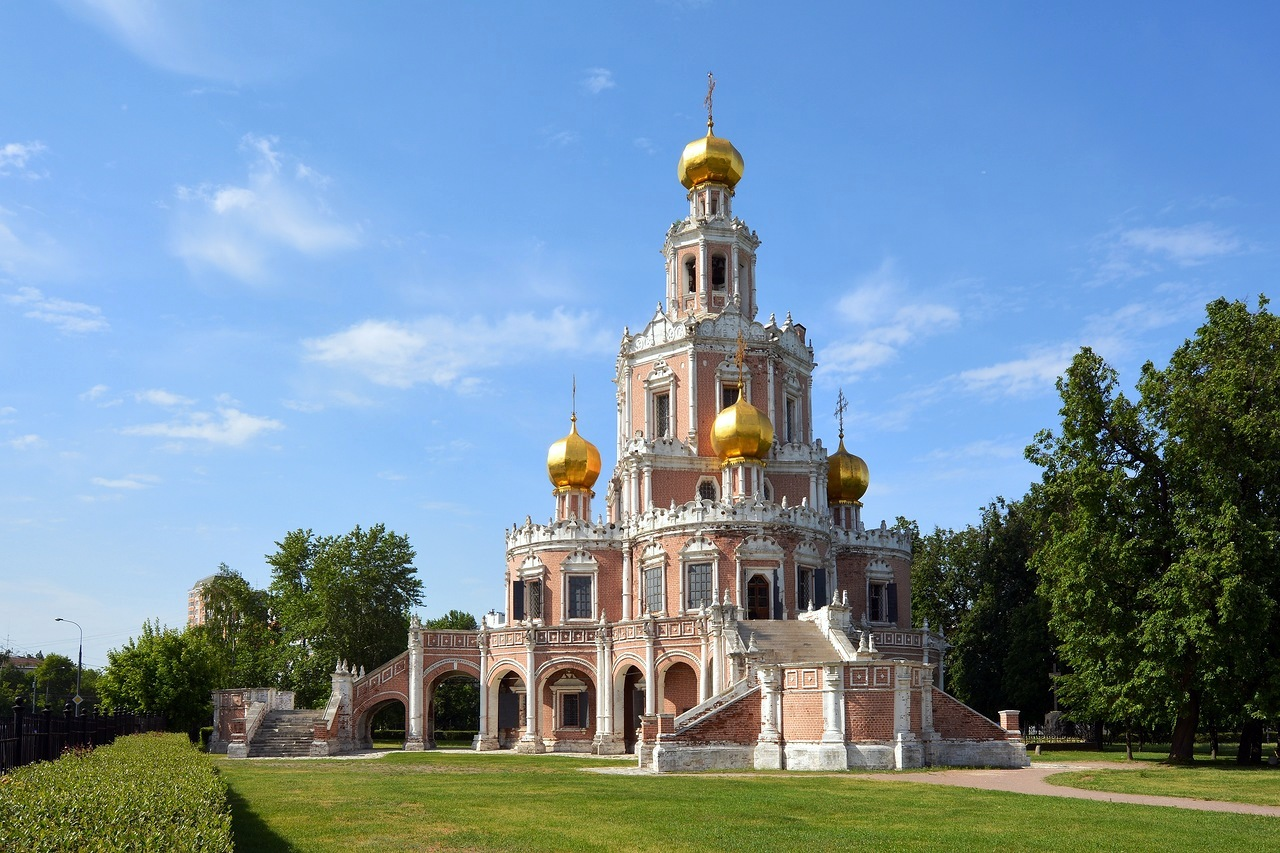 church-of-the-intercession-fili-moscow-russia-1