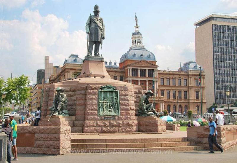 tượng đài