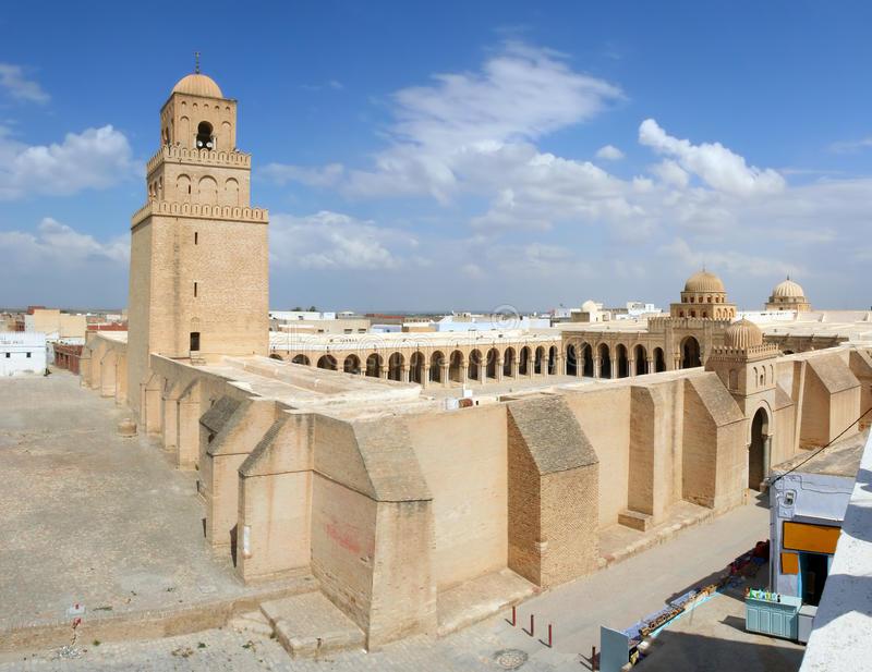 sidi-okba-mosque-kairouan-tunisia-13383016