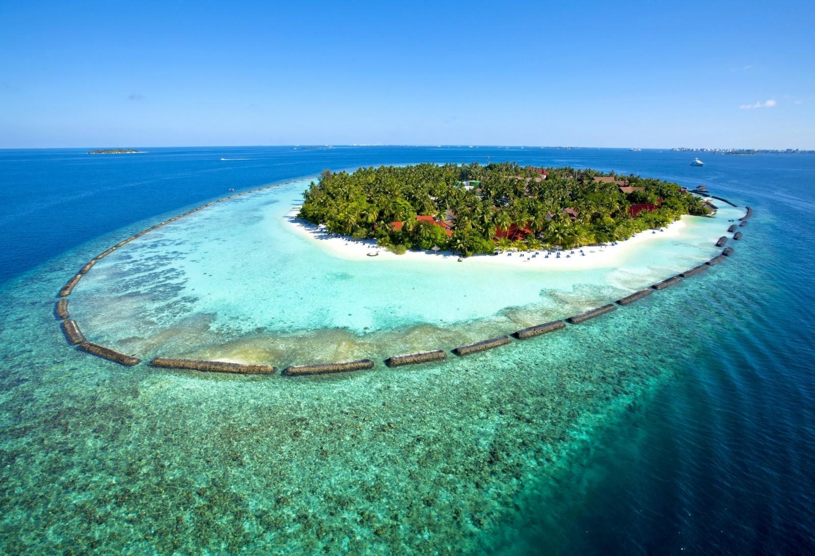 3000x2046_px_beach_landscape_Maldives-683604
