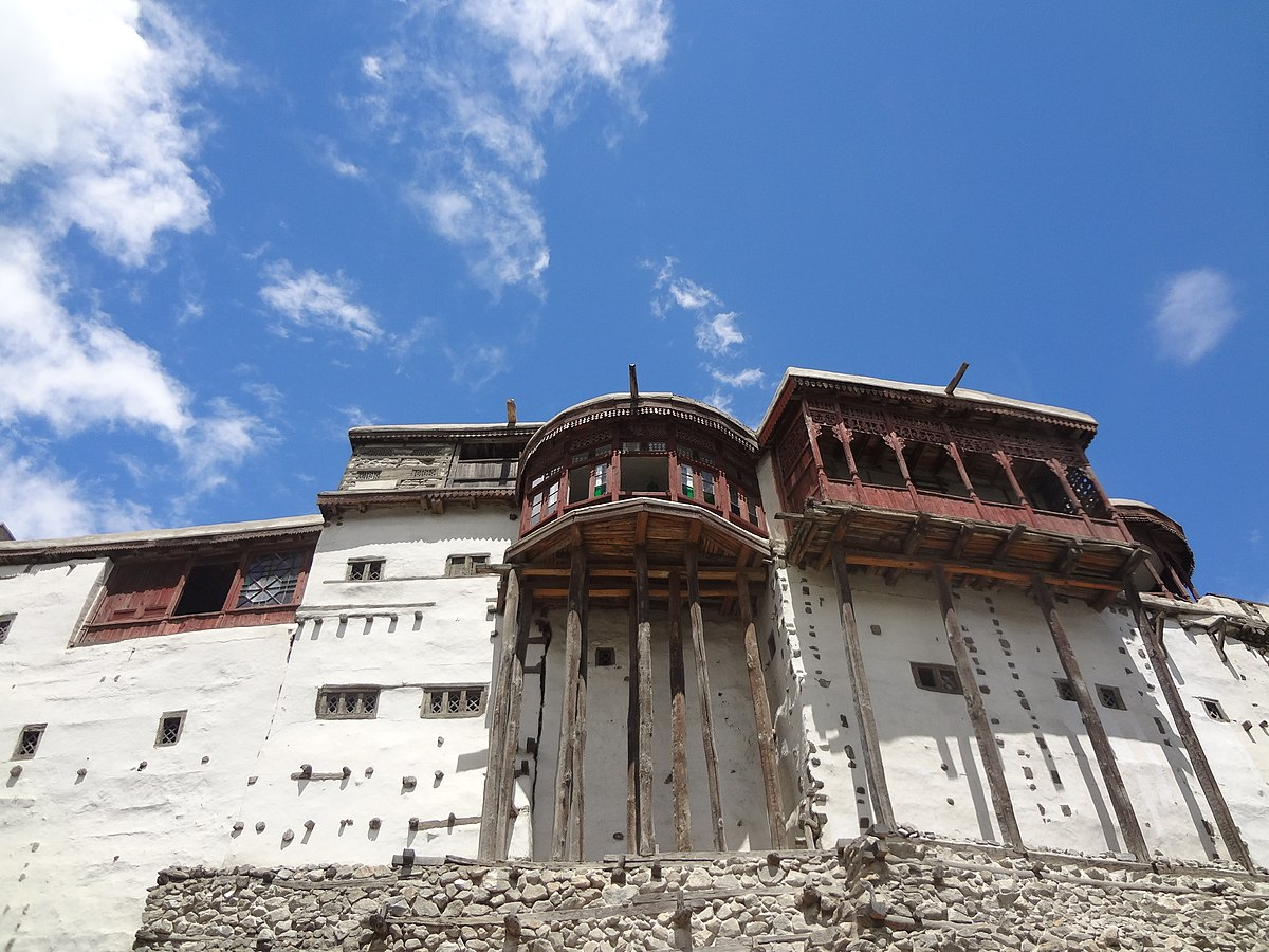 1200px-Baltit_fort,_Hunza_Valley