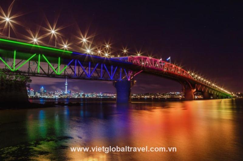 cầu Auckland Harbour Bridg